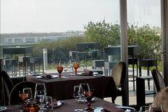 Debruçado sobre o rio Ave, o Villa C Hotel & SPA tem excelentes panorâmicas para Vila do Conde. Noite com pequeno-almoço + Massagem relaxamento 30 minutos + Acesso ao Circuito Welness (piscina, jacuzzi, ginásio, sauna e banho turco) desde 69€ para 2 pessoas. - Descontos Lifecooler