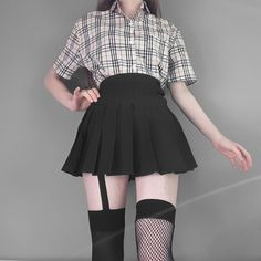 ↬ ᴘɪɴᴛᴇʀᴇsᴛ┊ᴄʟᴏᴜᴅxᴏɴᴇ ༉‧₊˚✧ Edgy Outfits, Cute Casual Outfits, Grunge Outfits, Skirt Outfits, Fashion Outfits, Mein Style, Alternative Outfits, Grunge Style, Girl Fashion