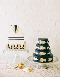 Black and gold cakes