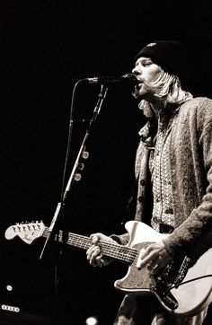 Kurt Cobain, live in Milan (Italy), 1994 #nirvana
