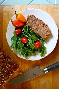 Love classic meatloaf? Here's how to enjoy it and still stay lean. When we cooked this super easy recipe, it was devoured by everyone at the table. It is flavorful with onion, peppers, and herbs, and is incredibly moist. This recipe makes six large portions for a hearty family dinner. // beachbody // beachbody blog