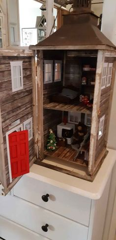 Tonttutupa lyhtyyn Miniture Things, Christmas Inspiration, Hobbies And Crafts, Christmas Fun, Liquor Cabinet, Miniatures, Furniture, Home Decor, Doll Houses