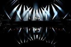 Photographer: Hans-Peter Van Velthoven >>> http://muse.mu/music-video/music/61.htm _____________________...
