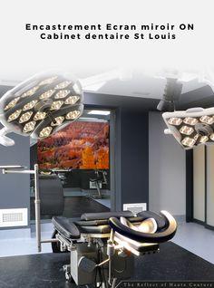Intégration d'un écran miroir en encastrement avec pilotage informatique. ON St Louis, Architecture Design, Ceiling Lights, Home Decor, Study Desk, Computer Science, Business, Architecture Layout, Decoration Home