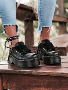 This type of shoe would be perfect to go with my gray slacks. Boho Shoes, Shoes Sandals, Dress Shoes, Cute Shoes, Me Too Shoes, High Heel Boots, Shoe Boots, Grey Slacks, Pumas Shoes