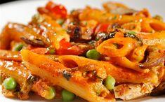 A kép csak illusztrácó Penne, Pasta Salad, Bacon, Breakfast, Ethnic Recipes, Food, Crab Pasta Salad, Morning Coffee, Essen