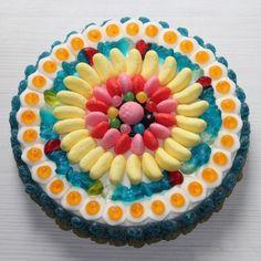 gateau-de-bonbons-haribo-pour-anniversaire.jpg (600×600)