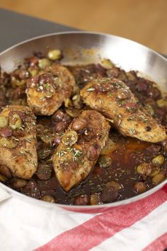 Best Workout Plans : Honey Balsamic Chicken with California Grapes - All Fitness Honey Balsamic Chicken, Balsamic Chicken Recipes, Balsamic Onions, Grape Recipes, Green Bean Recipes, Balsamic Glaze Recipes, Vegetarian Recipes, Healthy Recipes, Easy Appetizer Recipes