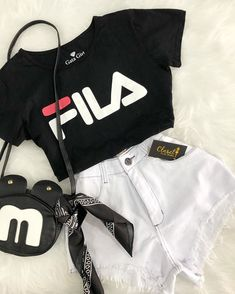 Best Picture For fila shoes outfit airport For Your Taste You are looking for something, and it is g Cute Lazy Outfits, Simple Outfits, Stylish Outfits, Cool Outfits, Classy Outfits, Girls Fashion Clothes, Teen Fashion Outfits, Retro Outfits, Preteen Fashion