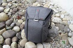 Der Rucksack von hinten Gadgets, Videos, Backpacks, Film, Bags, Appliances, Movie, Purses, Movies
