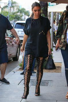 http://www.thepinnacleera.com/hair-and-make-up/kim-kardashian-says-its-time-to-stop-contouring