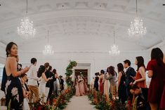 A Cosy, Autumn-themed Wedding At The Fullerton Hotel Singapore - The Wedding Notebook magazine Diy Wedding Cake, Fall Wedding, Fullerton Hotel, Wedding Notebook, Rustic Theme, Reception Areas, Autumn Theme, Intimate Weddings, How Beautiful