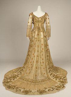 Evening gown. 1907. Opera dress.