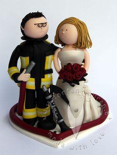 Feuerwehr Brautpaar mit Note & Klarinette von www.tortenfiguren.at - Firefighter Weddingcaketopper
