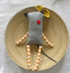 Grey Mish by krakracraft. Sideways mouse w stripped legs 27 adorable sewing patterns for stuffies plushies stuffed animals and other handmade felt and fabric toys Miss Gertie Porket Fabric Toys, Fabric Art, Fabric Crafts, Sewing Crafts, Sewing Projects, Sewing Ideas, Sewing For Kids, Baby Sewing, Free Sewing