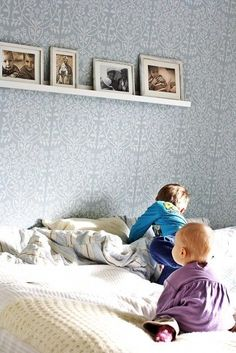 Love this wallpaper from Tapettitalo! Also comes in beige, which is equally beautiful. House Entrance, Entrance Hall, Walk In Closet, House 2, Kids Room, Toddler Bed, Sweet Home, Bedroom, Interior