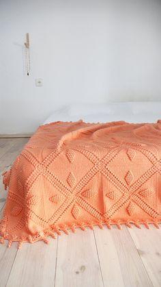 """Vintage crocheted blanket - """"Peach"""""""