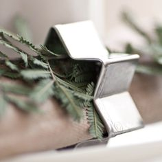 star cookie cutters used as napkin rings w/ sprig of greenery // fort & field Natural Christmas, Noel Christmas, Christmas Candles, Christmas Wishes, Christmas Colors, Simple Christmas, Christmas Decorations, Xmas, Nordic Christmas