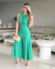 Image may contain: 1 person, standing Sexy Maxi Dress, Sexy Dresses, Casual Dresses, Cute Fashion, Boho Fashion, Girl Fashion, Chic Outfits, Dress Outfits, Hijab Fashion