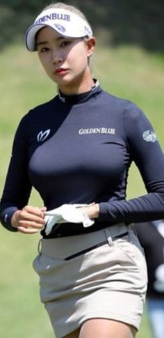 Girls Golf, Ladies Golf, Sexy Asian Girls, Beautiful Asian Girls, Cute Golf Outfit, Sexy Golf, Bigger Breast, Athletic Women, Girls Jeans