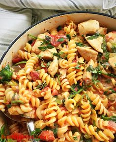 Creamy Tomato Spinach Chicken Pasta full of healthy ingredients, this low fat yet deliciously tasty pasta dish is perfect to make midweek or even make ahead