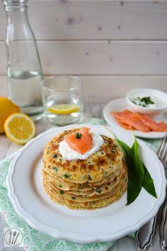 Bärlauch-Pfannkuchen mit geräuchterem Lachs