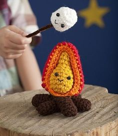 De Crochet Today   http://www.crochettoday.com/crochet-patterns/stitchy-smores