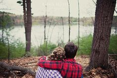Love this picture! Would be cute for the engagement session.