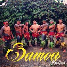 Group of Samoan Men showing their traditional tattoos Photo taken by Polynesian Men, Polynesian Islands, Polynesian Culture, Polynesian Tattoos, Tarawa Kiribati, Samoan Men, Hawaii Hula, Samoan Tattoo, My Heritage