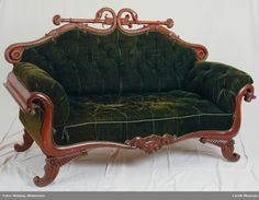 2 motstilte slanger, blomsterornamentikk Sofa, Couch, Love Seat, Accent Chairs, Furniture, Home Decor, Upholstered Chairs, Settee, Settee