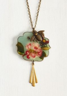 Beautiful as Can Bee Necklace