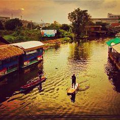 Something old and something not so new. Scott McKercher, evening paddle in Bangkok. #travel #adventure #thailand @Starboard SUP #standuppaddle #magazine #sunset #water #destination www.standuppaddlemagazine.com