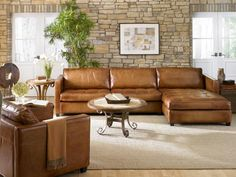 Gordon Leather Sectional : Leather Furniture
