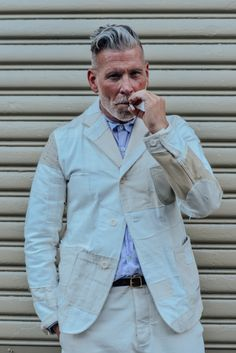Loving this clean ivory suit, the perfect stylish summer outfit for summer, very suave