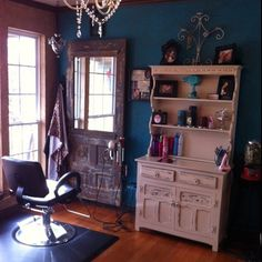 salon interior design interior design book 2017 pdf interior design price list salon interior design ideas and advice salon interior design york hair salon interior design interior design salon interior design ideas Home Hair Salons, Hair Salon Interior, In Home Salon, Design Salon, Salon Interior Design, Small Salon Designs, Rustic Salon, Vintage Salon Decor, Vintage Hair Salons
