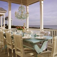 perfect outdoor dinning , beautiful colors, simple & elegant