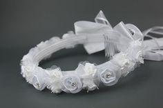 Weißer Haarkranz mit Organzablüten, 16,90 €
