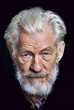 Sir Ian McKellen - really great portrait. Foto Portrait, Portrait Photography, Sir Ian Mckellen, Actrices Hollywood, Celebrity Portraits, Celebrity Faces, Too Faced, Interesting Faces, Famous Faces