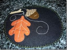 Fall wool mug rug, no pattern, food for thought Wool Applique Patterns, Felt Applique, Small Quilts, Mini Quilts, Quilting Projects, Sewing Projects, Felt Projects, Wool Mats, Felted Wool Crafts