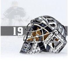 LA Kings countdown to training camp Jonathan Quick, La Kings Hockey, Goalie Mask, Hockey Goalie, Masked Man, Los Angeles Kings, Football Helmets, Shoulder Bag, Purple
