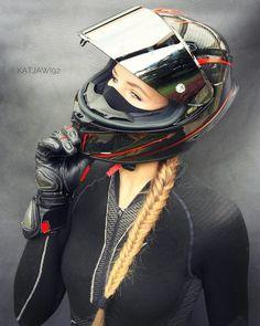Oh yes ....its one of my favorite parts ...helmet pictures  . Credit: @katjawi92 . @throttlesociety @yamahar1r6bikes @ridingsexy @moto_wetness @bikerchicksofinsta #bikergirls_ @all2wheels #europeanbikers @2wheelslovers #kickstand_up @motoenergy34 @superbikes.lovrs @universalbikers #bikers_around_the_globe ➖➖➖➖➖➖➖➖➖➖➖➖ #firstownbike #bikergirl #girlswithbikes #bikerchick #bikerlife #longhair #blonde #moscowgirl #racing #girlsonbike #motorcycle #moto_wetness #bikesquad #leathersuit #agv #bi...