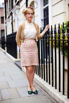 Street Style Photoblog - Fashion Trends - Caitlin, Aviatrix, Soho-look 40s and 60s