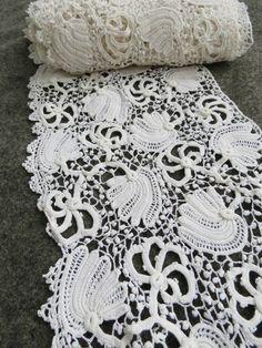 "3 yards Antique VICTORIAN HANDMADE IRISH CROCHET LACE TRIM 6.5"" W floral bridal"