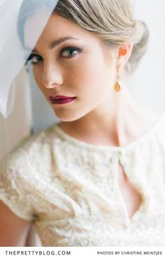 Wedding make-up for a ruby colored wedding inspiration | Photographer : @Christine Meintjes  | Make-up : @Alicia Buckle  | Accessories : Lulu Belle