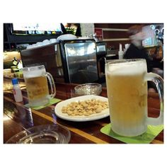 time for #beer #sanmig #draft #light #drink #bar #philippines #ビール の時間 #フィリピン #生ビール