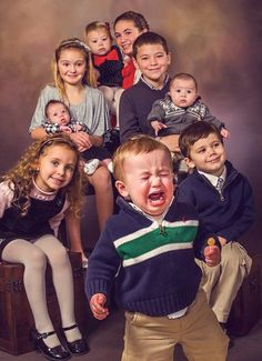 Family Photos Are So Much Fun! But Who Knew They Could Be So Dangerous And  Uh, Well Unintentionally Inappropriate And Flat Out Hilarious!?