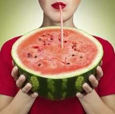 Watermelon can be a festive drink dispenser! essentials: a ripe watermelon, kitchen knife, ice cream scoop, spigot, and apple corer. Watermelon Keg, Watermelon Recipes, Refreshing Drinks, Summer Drinks, Juice Dispenser, Beverage Dispenser, Coconut Drinks, Drink Containers, Cosmetics Ingredients