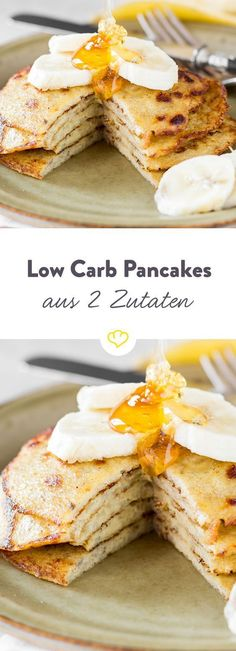 Bananen und Eier – mehr brauchst du nicht, um diese kleinen Küchlein zu zaubern… Bananas and eggs – you do not need any more to conjure up these little cakes. Best of all, the pancakes are low carb and cooked in just 15 minutes. Low Carb Sweets, Low Carb Desserts, Low Carb Recipes, Food Cakes, Banana Design, Pancakes Oatmeal, Low Carb Pancakes Banana, Pancake Muffins, Cheese Pancakes