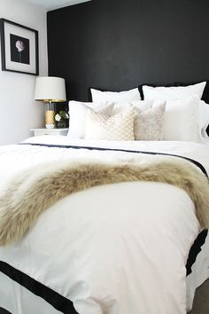 Go glam: http://www.stylemepretty.com/living/2015/03/18/how-to-style-a-bed-3-ways/ | Photography: Hello Natural - http://hellonatural.co/