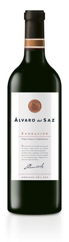 Viñas Viejas de Tempranillo • Vino de la Tierra de Castilla. Modern Classic Red Wine Design.